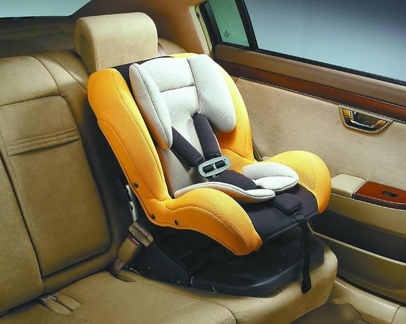 选择合适安全座椅 为孩子出行提供更好保障